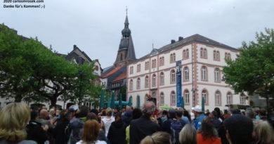 carlosmrosek.com stwendel schlossplatz demokratie demo 09052020 390x205 - Historische Demokratie-Demo in St. Wendel